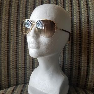 NWOT Louis Vuitton Petite Viola Pilote Sunglasses